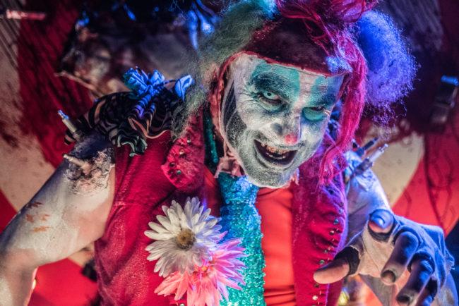 Howl o scream 20 anos de susto e medo orlando em revista - Busch gardens halloween horror nights ...